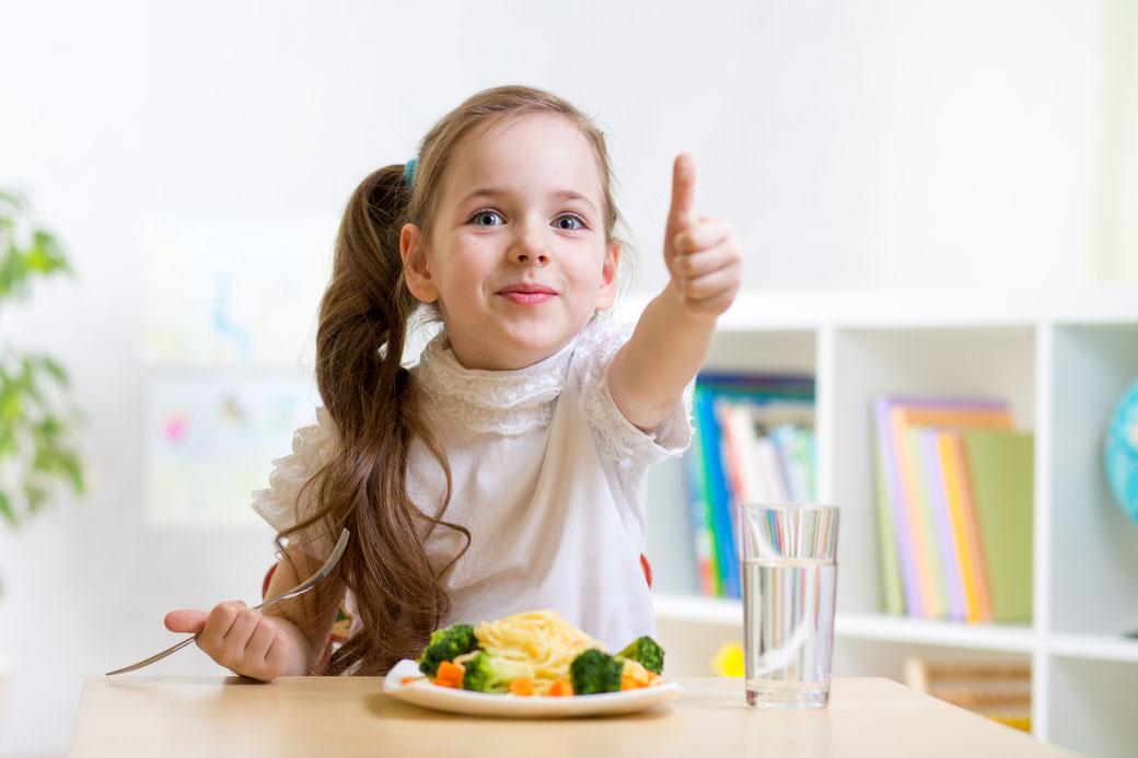 Verpflegung KiTa und Schulen Speisung - Mahlzeit Catering