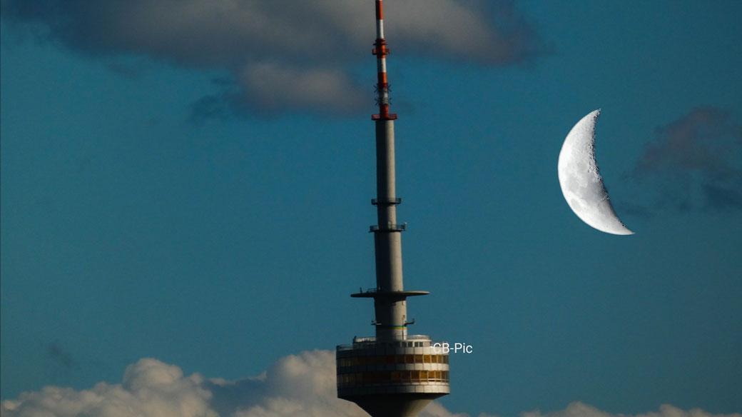 Olympiaturm Mond Fotografie