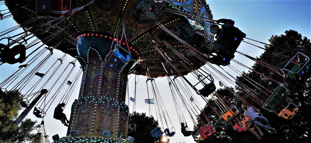 Corona München Karussell Oktoberfest Olympia Park