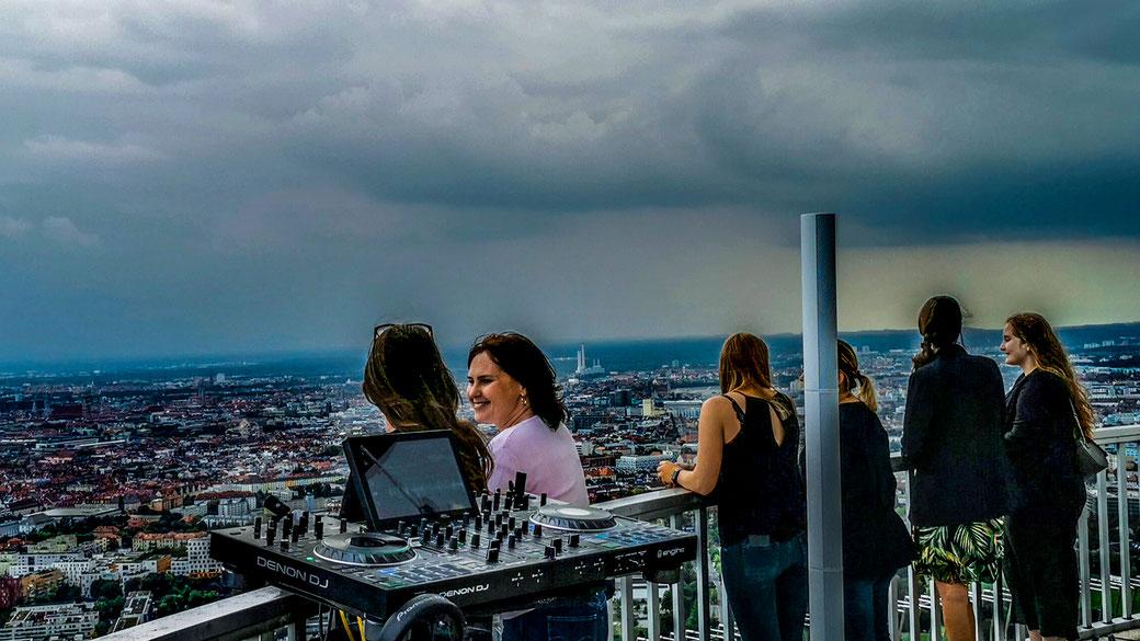 Denon DJ Prime 4 over the Munich Top