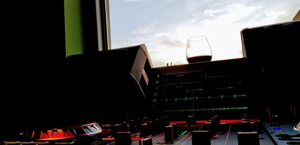 Dezentrales Musik Liefer Service zu Ihrer Party dahoam