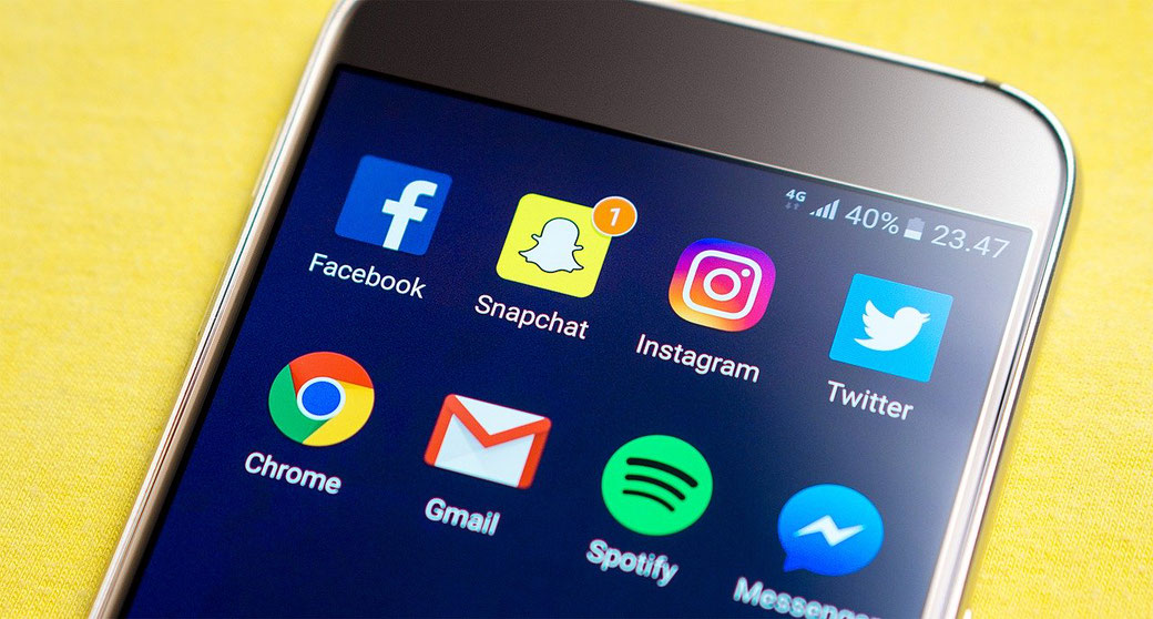 Smartphone mit social Apps
