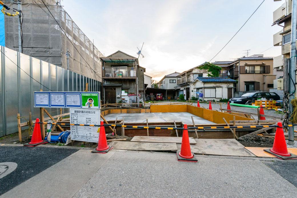 2018年5月12日の現地の写真。基礎工事が進んでいます。