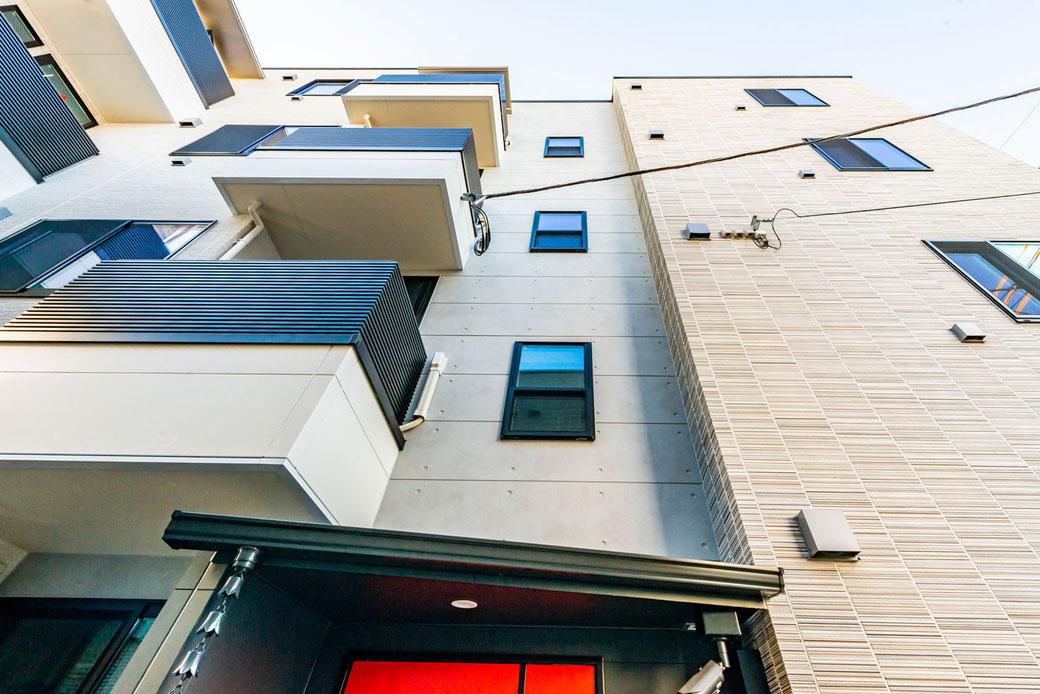 2020年10月12日竣工パルゼ立川錦町の外観