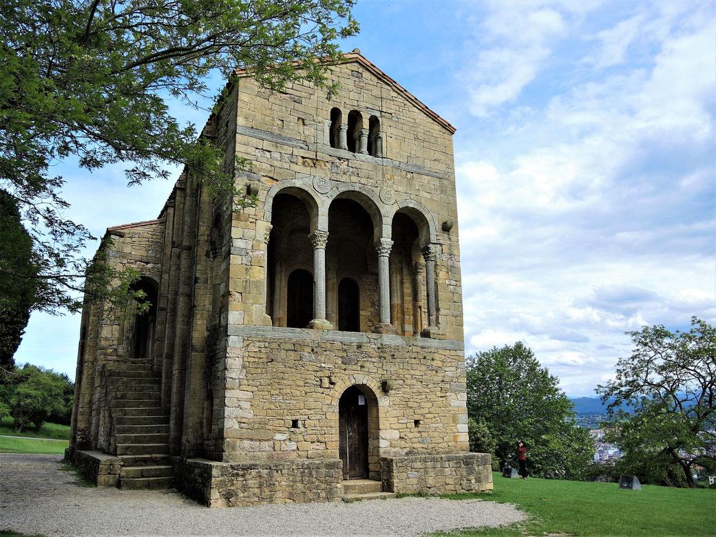 Präromanische Kirche Santa Maria del Naranco aus dem Jahr 848.