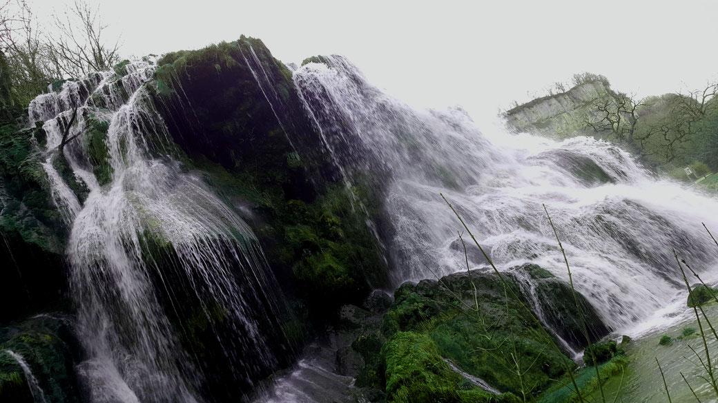Splendide cascade de Baumes Les Messieurs