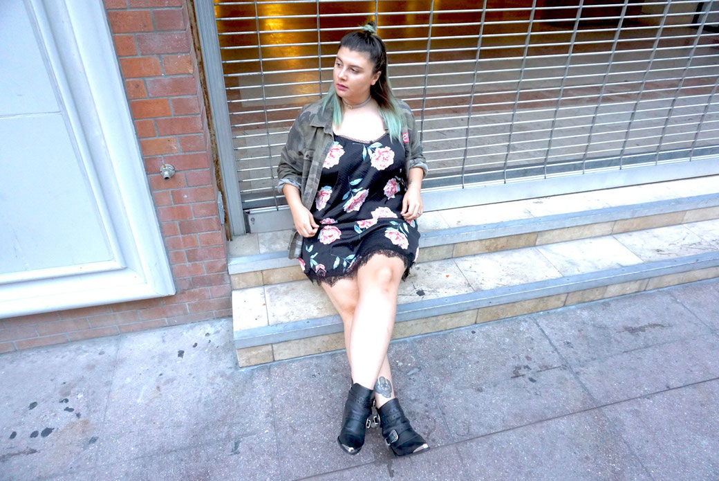 ROBE NUISETTE WETSEAL BOTTINES NOHOLITA NASTYGAL GRANDE TAILLE BLOG MODE FASHION PLUS BLOGGER