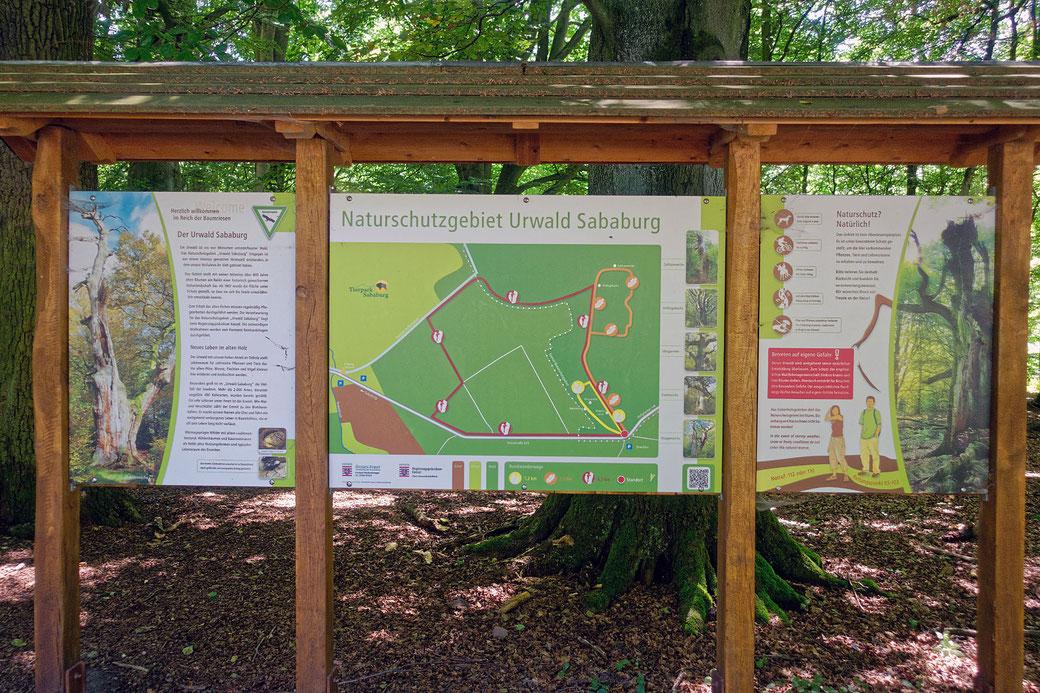 Informationsschild beim Eingang zum Urwald Sababurg