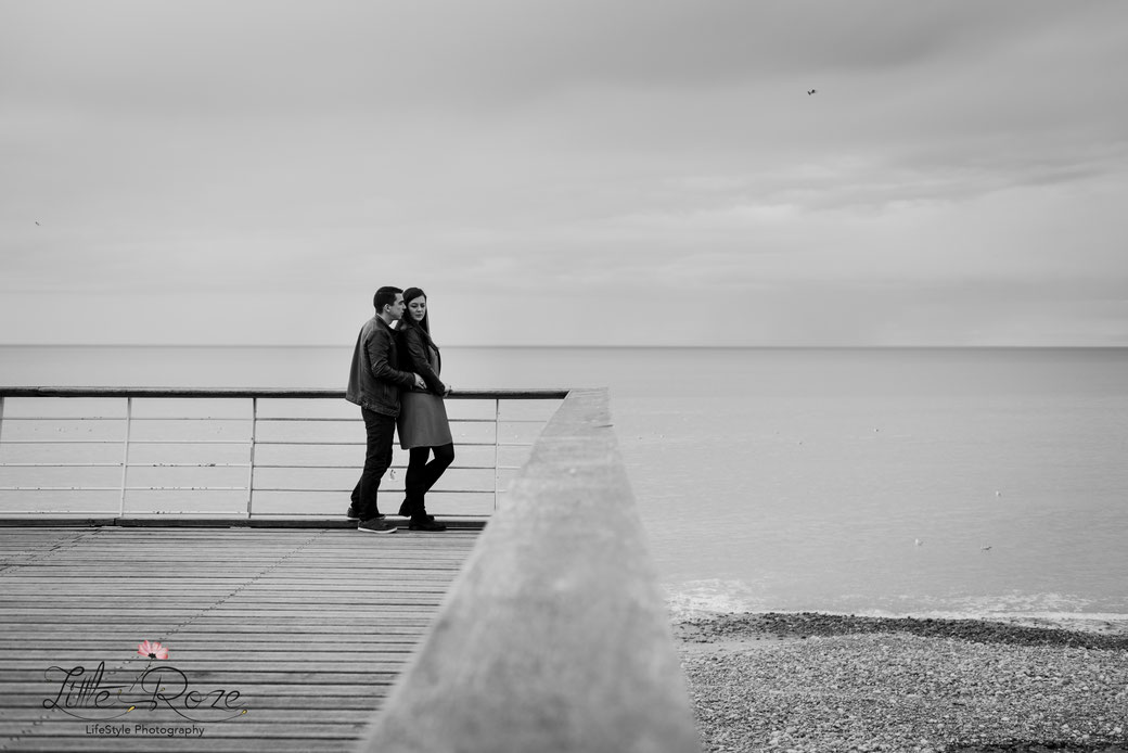 couple; mariage; engagement; mer; normandie