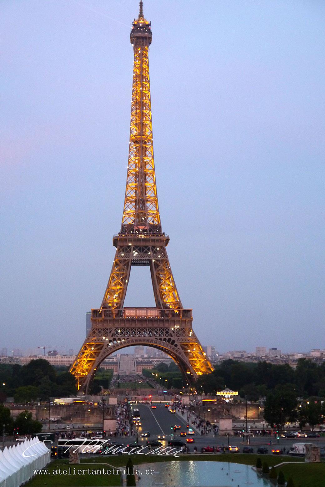 Eiffelturm abends