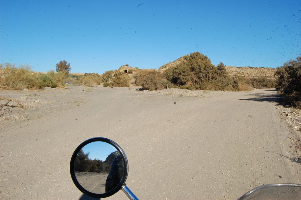 Ein paar Meterchen Offroad und man weiß Asphalt wieder zu schätzen!