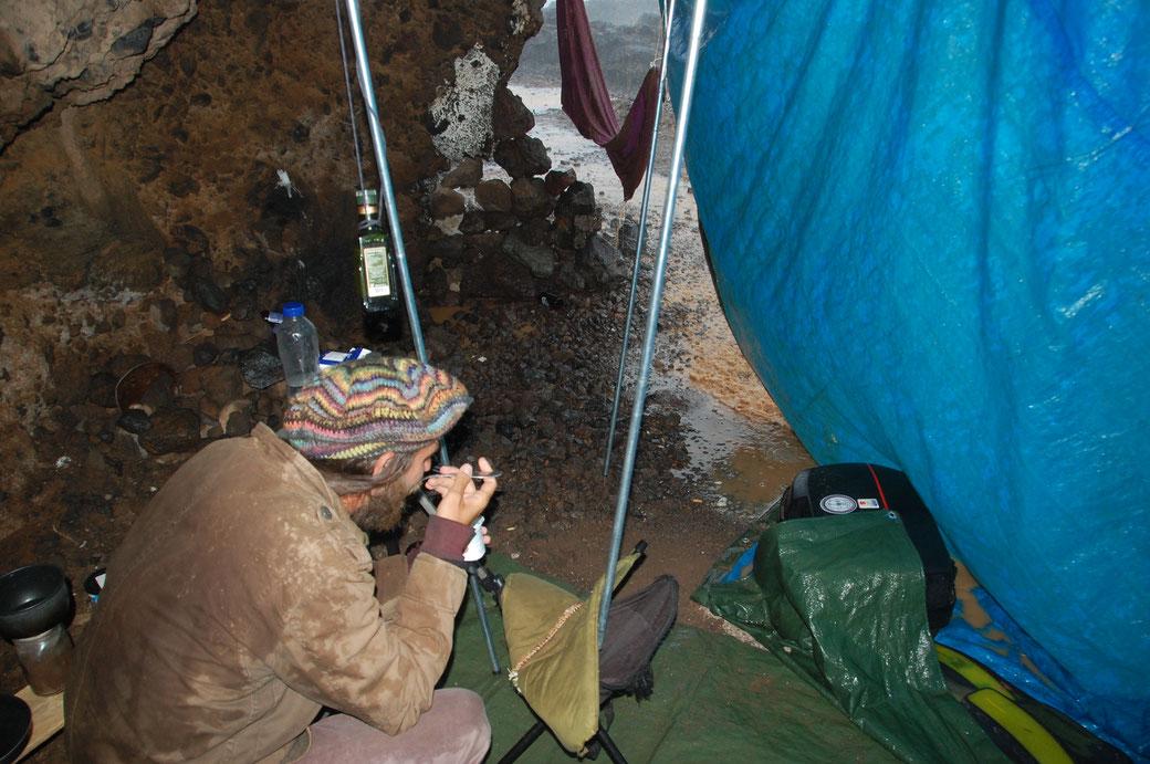 Gabriel, ein Freund aus der Slovakai, hat im Zelt nebenan gewohnt und bei mir während des Sturms Asyl gefunden.