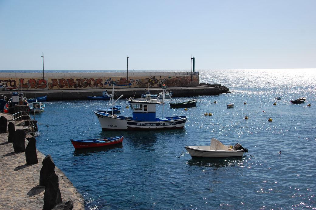 Der Hafen von Los Abrigos