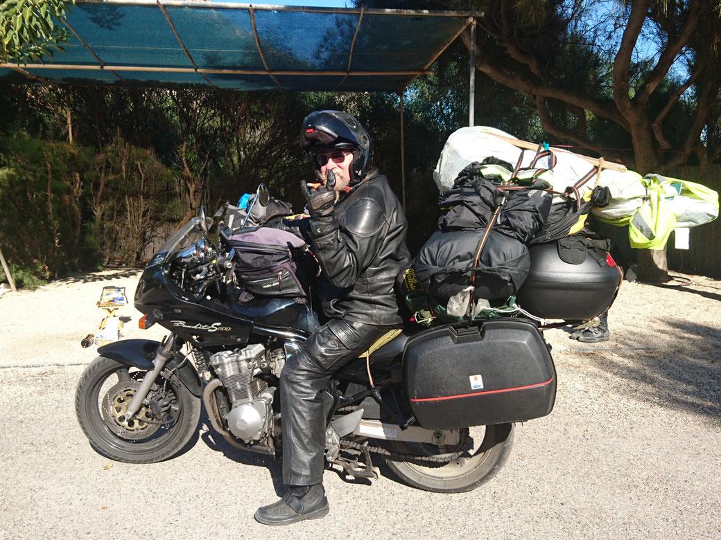 Touratech made by myself...OmG. Aber hat bis jetzt gehalten. Das Bild hat Lobke Dijkstra gemacht, in Las Negras. Sie ist mit dem Motorrad unterwegs nach Wladiwostok! Ihre Website: solob.org