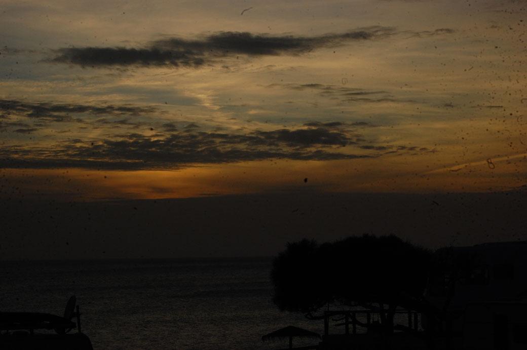 """Der Abendhimmel gestern nach dem Sturm. El Gordo meint: """"Puh, geschafft!!!"""""""