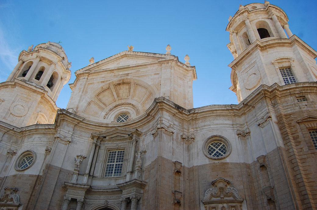 Bei solchen Bauwerken kann ich mir sehr gut vorstellen wie beeindruckend die Präsenz der Kirche auf die Menschen gewirkt haben muss.