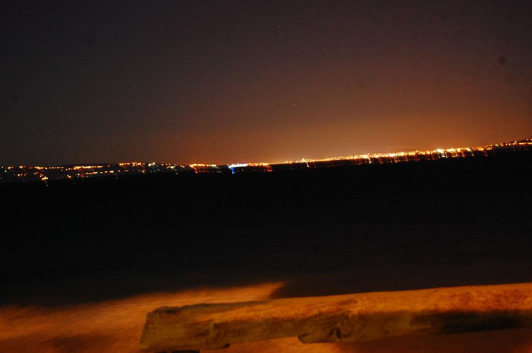 Afrika bei Nacht, die ham auch Strom dort drüben....sonderbar....