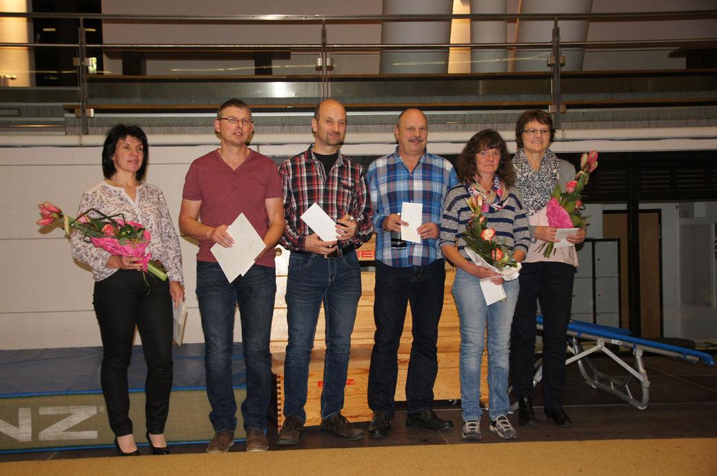 Ein Herzliches Danke an die Scheidenden: Sonja Thiede, ?, ?, Ewald Harder (Fitness), Carmen Steeb (Kinderturnen), Anne Enderle (Kinderturnen)