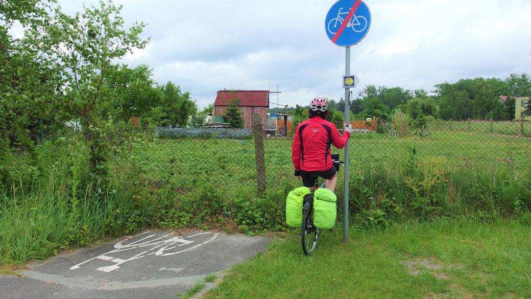 Der Bau dieses Radweges in Polen hat auch nicht wirklich geklappt...