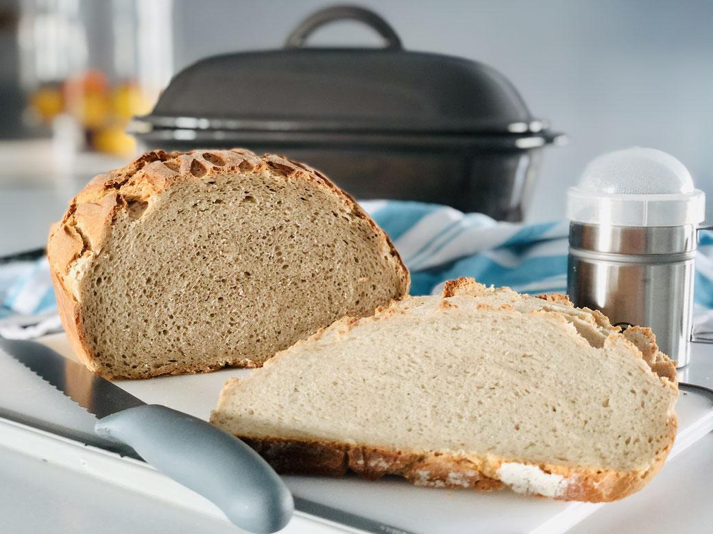 Hier siehst du mein leckeres selbst gebackenes Brot aus dem Ofenmeister von Pampered Chef