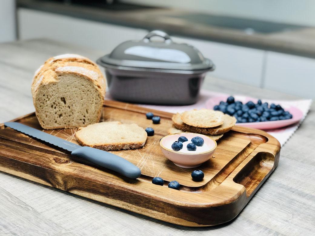 Hier zeige ich dir mein neues Brotrezept aus der Lily dem kleinen Zaubermeister von Pampered Chef® Brot selber zu backen ist ein Genuss und macht mir riesen Freude.