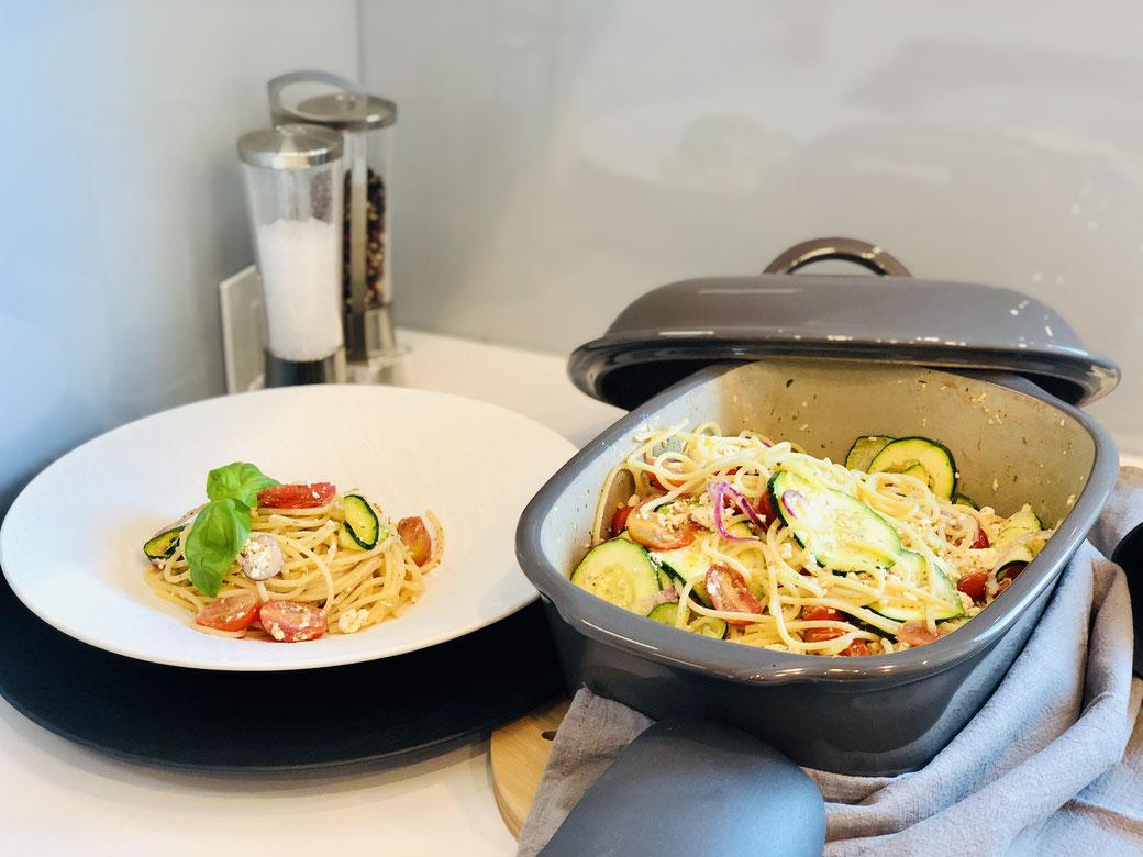 Neuer Pasta Trend -  Baked Feta Pasta aus dem Ofenmeister von Pampered Chef®