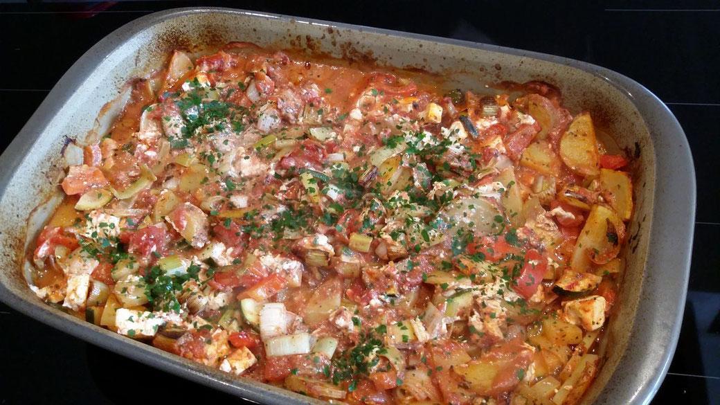 Sehr leckerer Kartoffelauflauf mit Schafskäse aus der großen rechteckigen Ofenhexe® von Pampered Chef®
