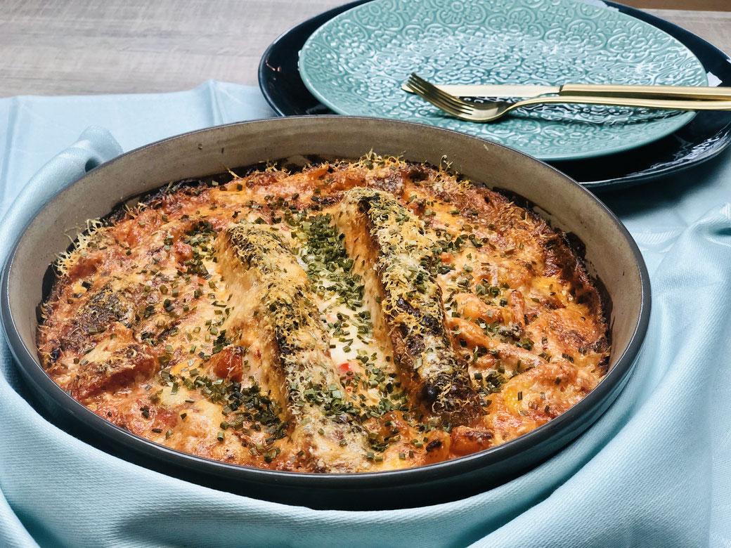 Hier seht ihr mein Lachsgericht mit Kartoffeln All in One  aus der runden Stoneware® von Pampered Chef®