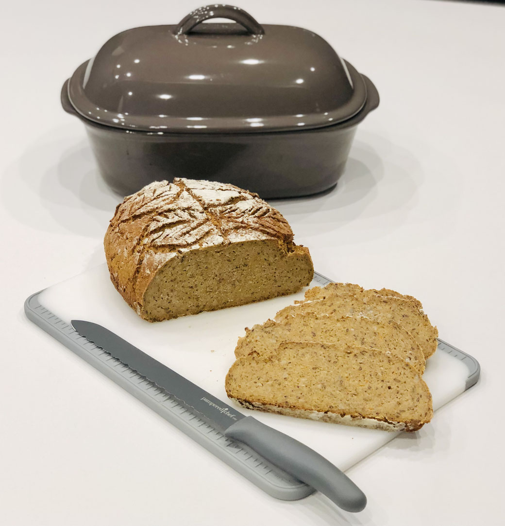 Selbst gebackenes Brot aus dem Ofenmeister. Hier mein Triple Vollkornbrot ♥
