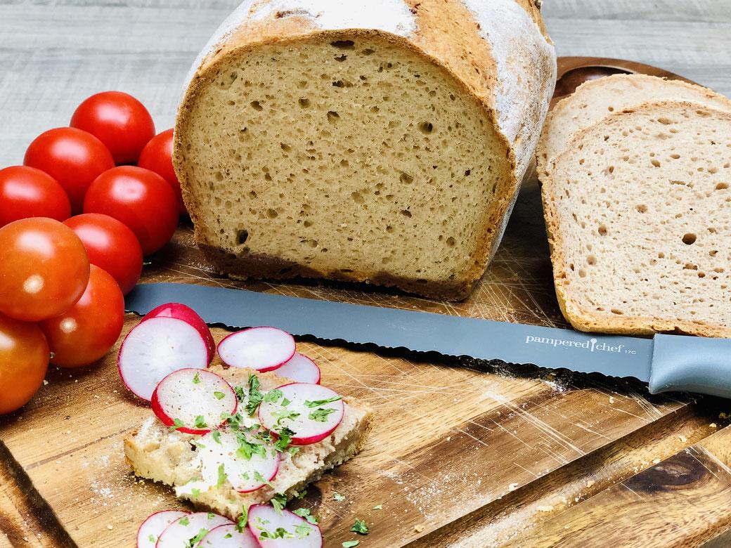 Gutenfreies Brot das auch noch super lecker schmeckt? Ja das kannst auch du dir backen mit Zaubermeister oder Ofenmeister von Pampered Chef
