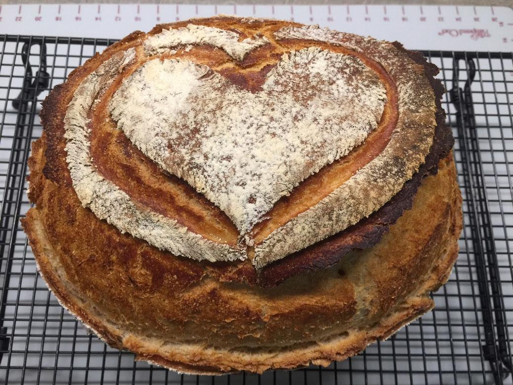 Pampered Chef ® Meisterkruste aus dem Ofenmeister. Ein Sagenhaft leckeres Brot aus dem Ofenmeister von Pampered Chef®. Der Thermomix® hat den Teig geknetet.