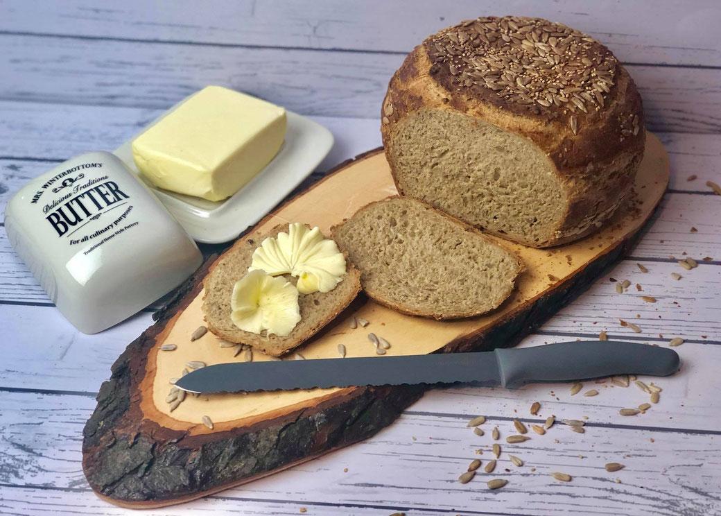 So sieht ein Brot aus das im runden Zaubermeister von Pampered Chef gebacken wurde