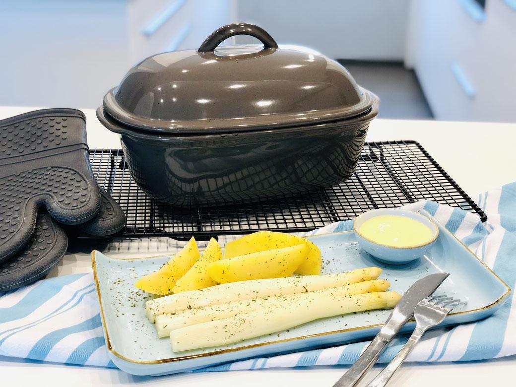 Leckerer All in One Topf - Stangenspargel mit Kartoffeln aus dem Ofenmeister