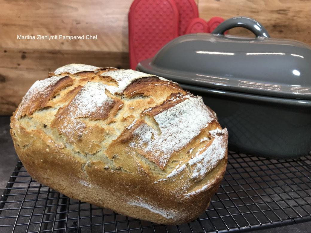 Kleines Oscar-Brot gebacken im Pamperedchef® Zaubermeister