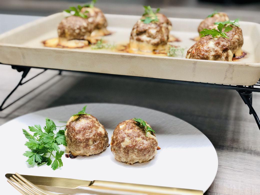 Buletten-Hackfleischküchle oder Frikadellen, egal wie bei euch diese leckeren Hackfleisch Kreationen heißen, die sind einfach schnell zubereitet und super lecker und aus dem Backofen RuckiZucki auf den Tisch ohne viel Gedöhns