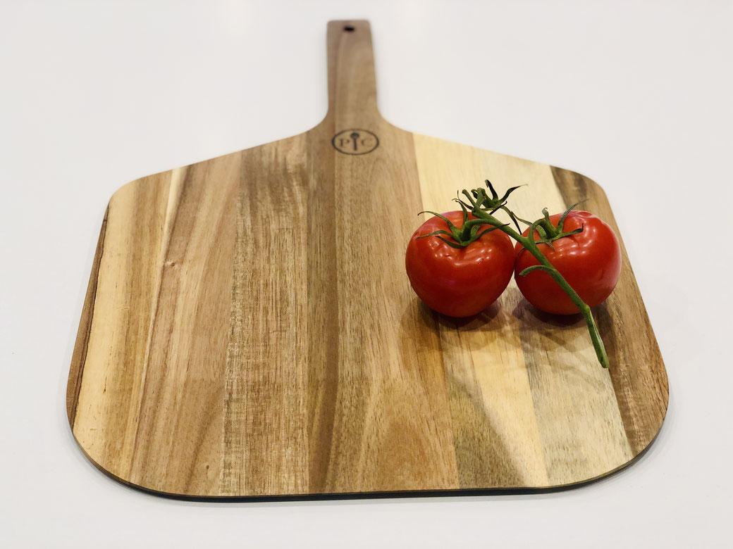 Hier siehst du den Pizzaschieber aus Akazienholz von Pampered Chef