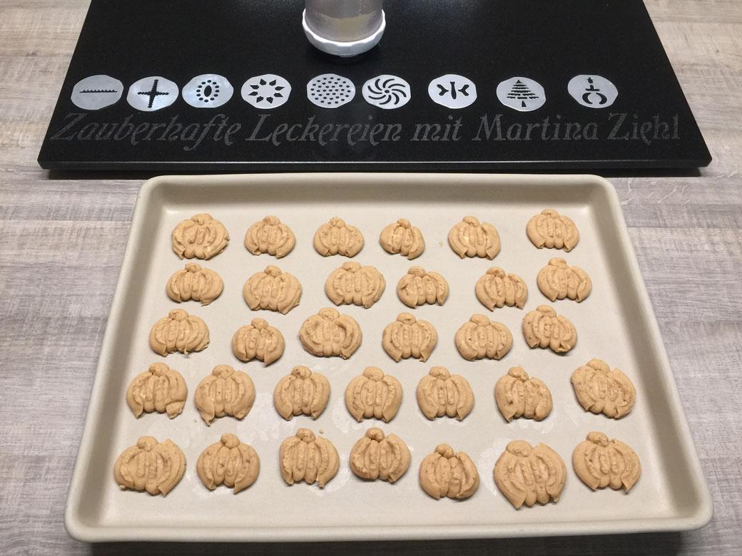 Hier das Rezept erhalten für die Karamilierte Nussplätzchen