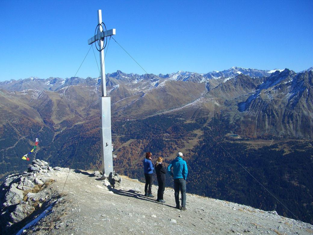Piz Lad am Reschenpass im Vinschgau in Reschen am See: Blick Richtung Zugspitze in Deutschland
