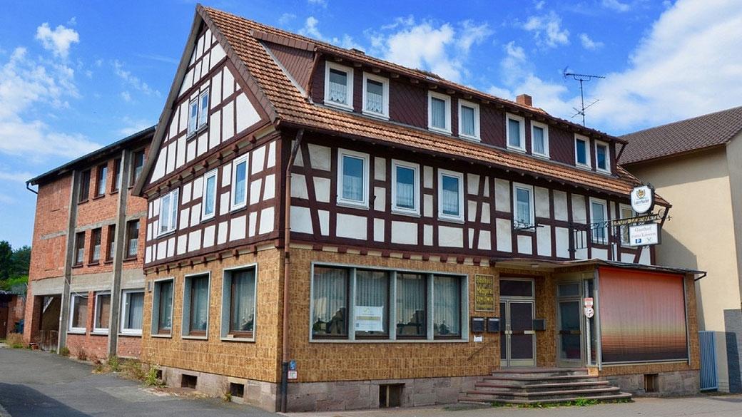 """Das ehemalige Lokal """"Zum Löwen"""" in Wartenberg soll abgerissen werden - Foto→ Pressestelle Gemeinde"""