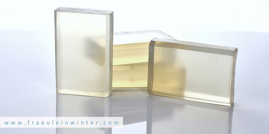 Selbstgemachte Transparentseife | Handmade Transparent Soap by Fräulein Winter