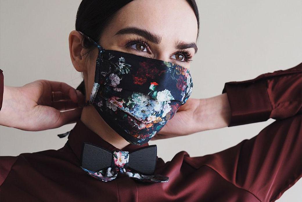 Diese stylishen Stoffmasken mit Trend-Faktor schützen uns in der Corona Pandemie;  Foto: BeWooden