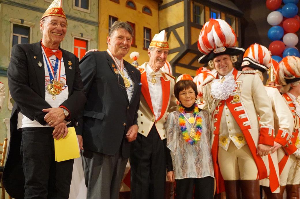 v.l.n.r. Reiner Fritz, Lutz Hennemann - Vorsitzender des Förderkreises Bonn, Karlheinz Bastian & Gertrud Eichel