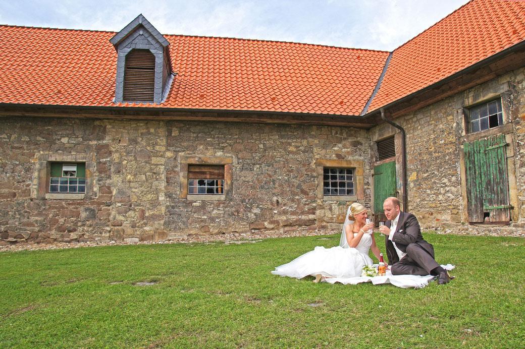 Hochzeitsfotograf Deggendorf Hannover Hildesheim Passau Fotograf Regensburg Jork Sylt Braunschweig Tegernsee München Niedersachsen Bayern Kassel Fulda Bamberg Bodensee Bonn Schloß Marienburg Hameln Goslar Straubing Niederbayern