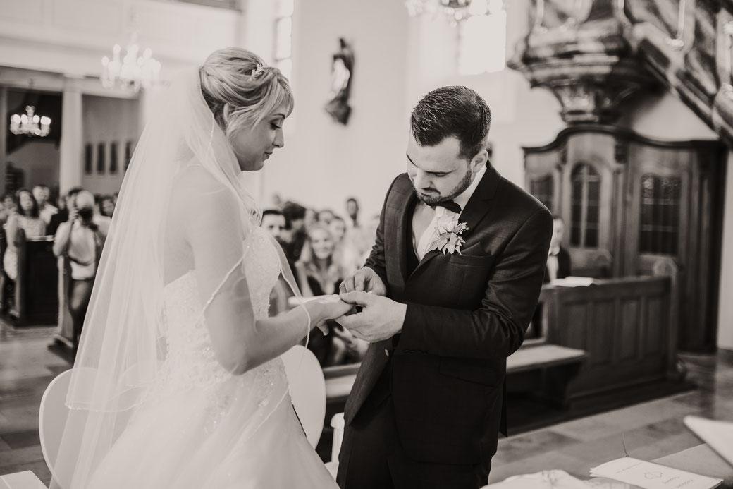 Hochzeitsfotos Kirche Fotograf Kaiserstuhl