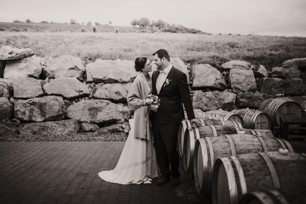 Brautpaar Fotoshooting auf dem Weingut