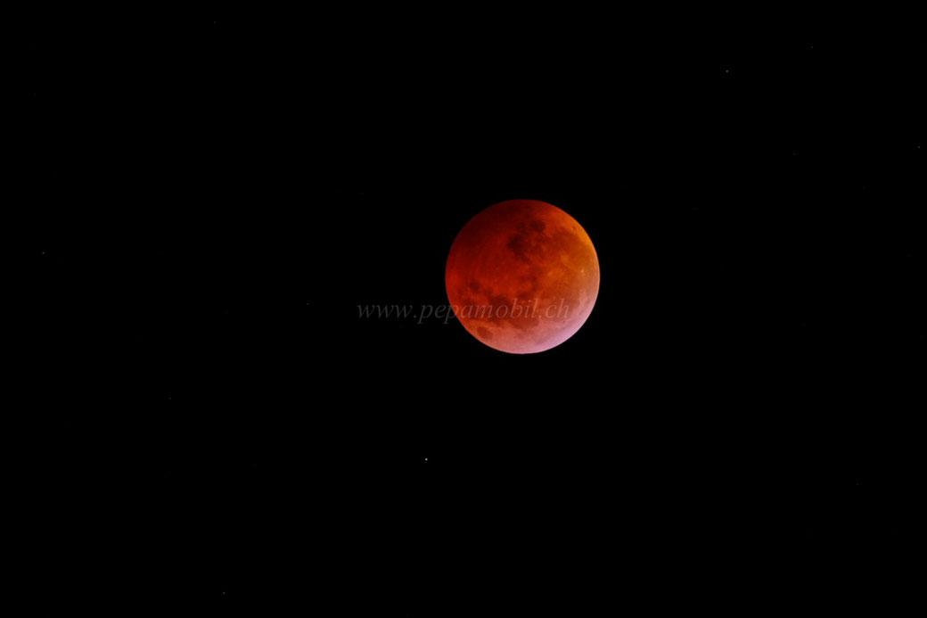 Luna roja Paraguay