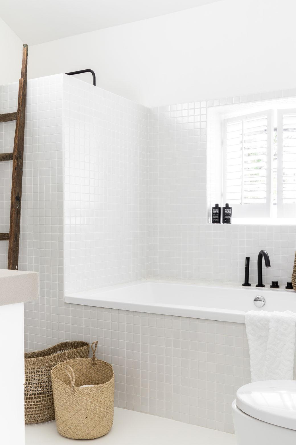 betonstuc badkamer wand