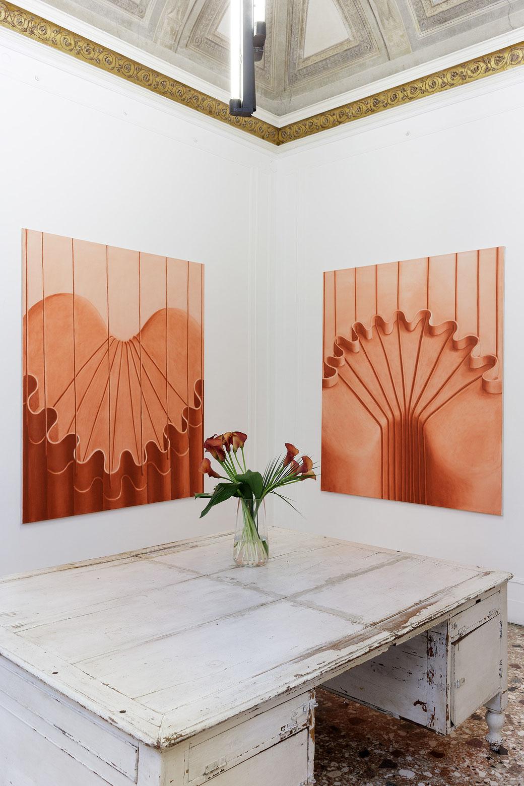 """Pia Krajewski, solo exhibition """"Sight and Touch"""" 2021, Artuner Milano, oT (Apparat Back) 2021, oil on canvas, 180x150cm,oT (Apparat) 2021, oil on canvas, 180x150cm, Foto: Filippo Armellin"""