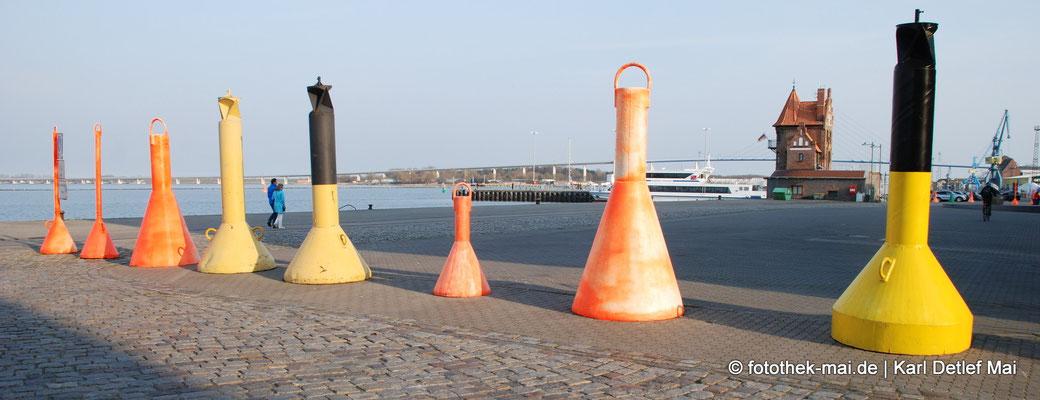 Unterschiedliche kulturelle und touristische Leistungen werden vermittelt, Foto: Stralsund, Hafeninsel, 2014