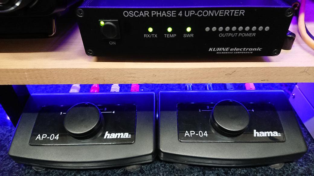 Polar-Switch heute: Links für VHF, rechts für UHF. Der Up-Converter ist nur zufällig im Bild, und steht nicht im Zusammenhang